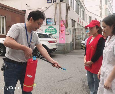 宜都妇幼开展消防演练.JPG